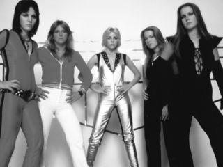 The-Runaways-1977-the-runaways-6620640-1600-1200
